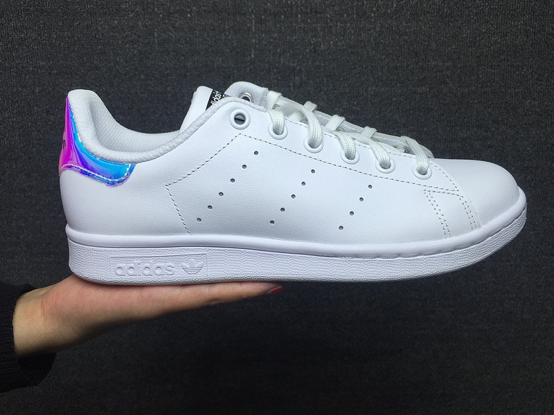 nouvelle arrivee b3d5a fd4b9 Réduction authentique adidas stan smith femme hologramme ...